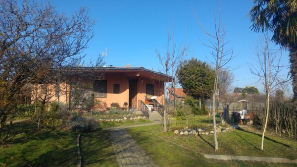 Villa in vendita a Cigliano, 6 locali, prezzo € 190.000 | Cambio Casa.it