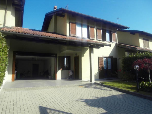 Villa in vendita a Sant'Ambrogio di Torino, 5 locali, prezzo € 245.000 | Cambio Casa.it