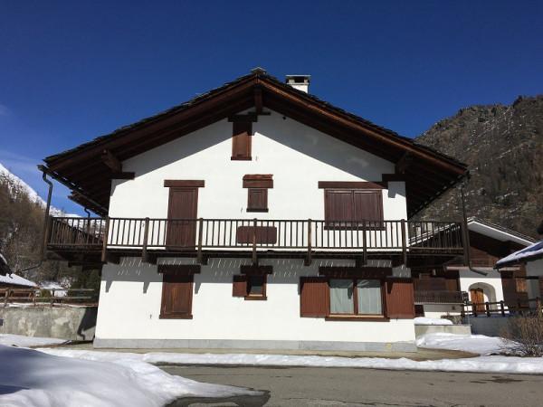 Villa in Vendita a Gressoney-la-Trinitè