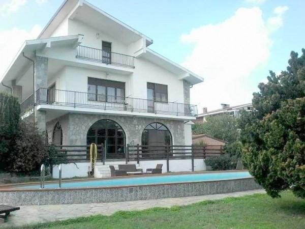 Villa in Vendita a Valfenera Centro: 5 locali, 400 mq