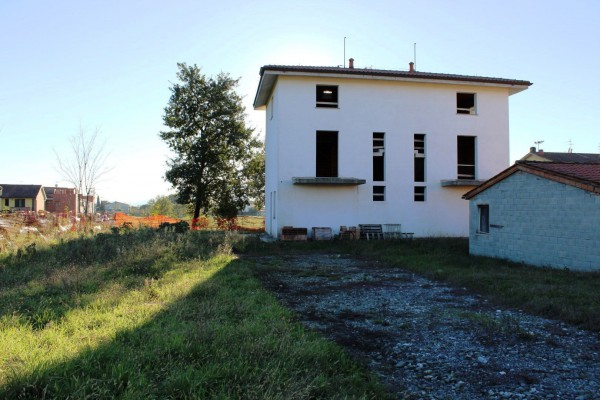 Villa in vendita a Altopascio, 5 locali, prezzo € 240.000   Cambio Casa.it