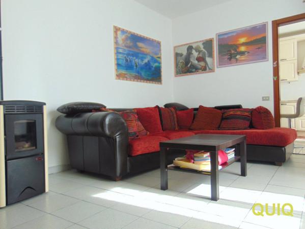 Appartamento in vendita a Dolzago, 6 locali, prezzo € 149.000 | CambioCasa.it