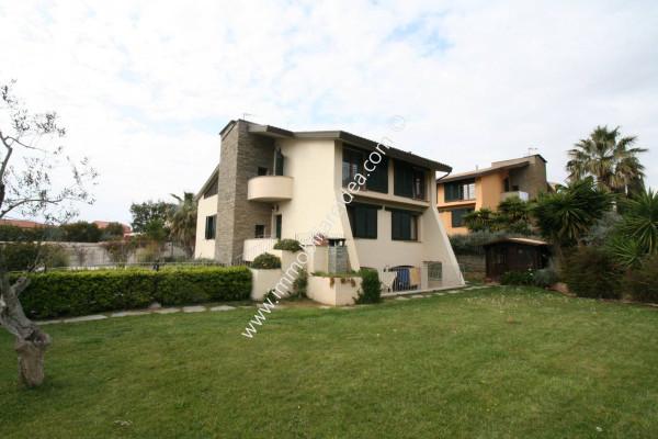 Villa in Vendita a Livorno Centro: 5 locali, 250 mq