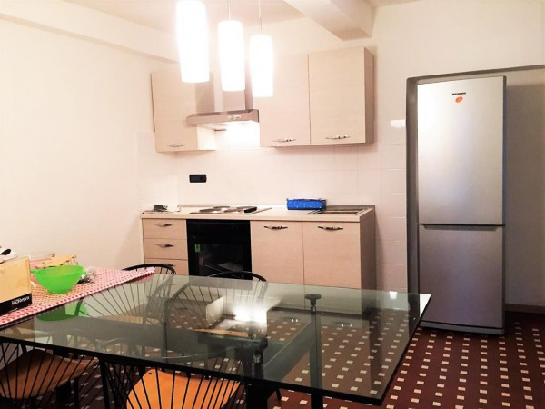 Appartamento in Affitto a Cuneo Centro: 2 locali, 80 mq