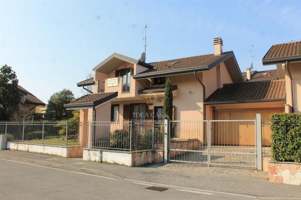 Villa in vendita a Usmate Velate, 5 locali, prezzo € 400.000 | Cambio Casa.it