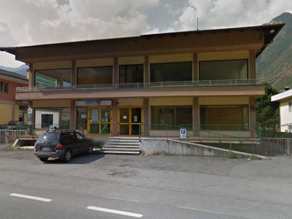 Negozio / Locale in vendita a Verres, 4 locali, prezzo € 240.000 | Cambio Casa.it