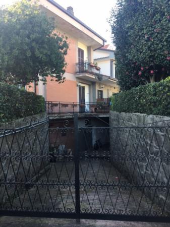 Magazzino in Vendita a Genzano di Roma