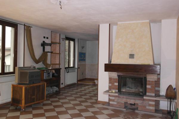 Appartamento in vendita a Besozzo, 4 locali, prezzo € 168.000 | Cambio Casa.it