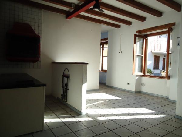 Soluzione Indipendente in vendita a Oggiono, 6 locali, prezzo € 130.000   Cambio Casa.it