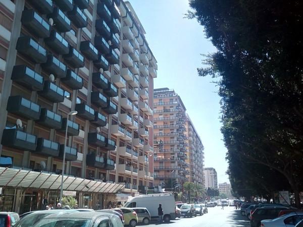 Appartamento in Affitto a Palermo Centro: 3 locali, 105 mq