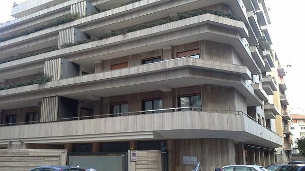 Ufficio-studio in Affitto a Catania Centro: 5 locali, 210 mq