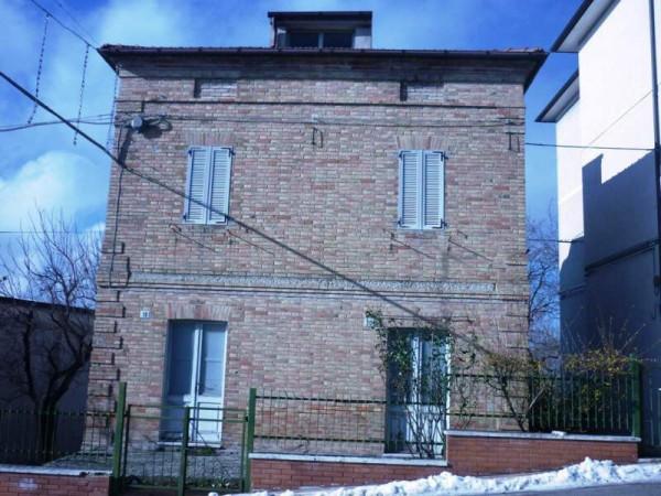 Soluzione Indipendente in vendita a Loro Piceno, 4 locali, prezzo € 78.000 | Cambio Casa.it