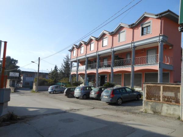 Negozio / Locale in vendita a Pietravairano, 1 locali, prezzo € 225.000 | CambioCasa.it