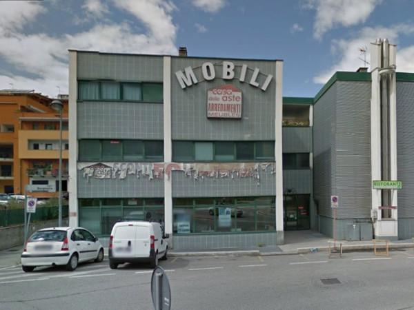 Negozio / Locale in Vendita a Aosta
