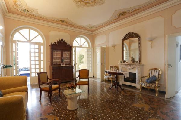 Villa in Vendita a Genova Semicentro Nord: 5 locali, 250 mq