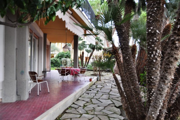 Appartamento in Affitto a San Remo Semicentro: 5 locali, 280 mq