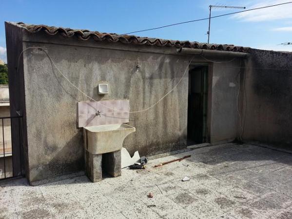 Palazzo / Stabile in Vendita a Paternò
