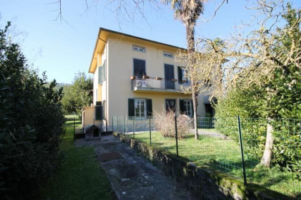 Villa in Vendita a Capannori Periferia Est: 5 locali, 350 mq