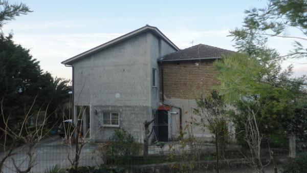Villa in vendita a Esperia, 4 locali, prezzo € 125.000 | Cambio Casa.it