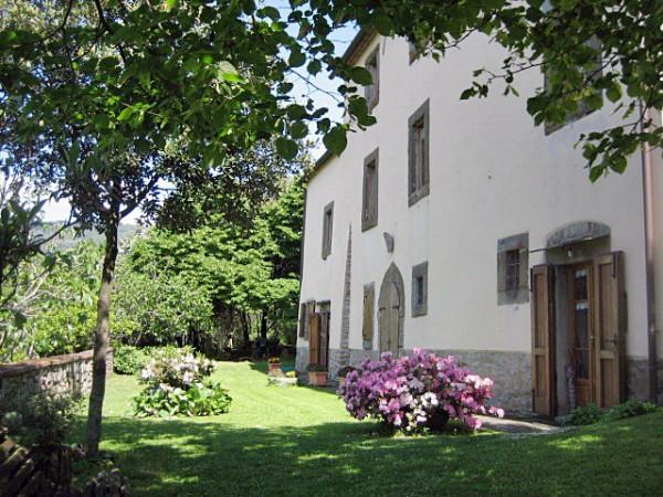 Villa in Vendita a Cortona Centro: 5 locali, 300 mq