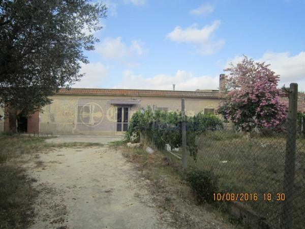 Rustico / Casale in vendita a Tarquinia, 6 locali, prezzo € 290.000 | CambioCasa.it