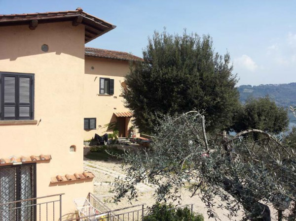 Appartamento in affitto a Castel Gandolfo, 2 locali, prezzo € 690   Cambio Casa.it