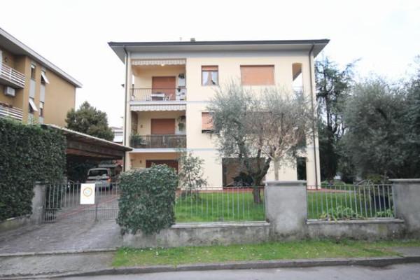 Appartamento in Vendita a Lucca Periferia Est: 5 locali, 135 mq