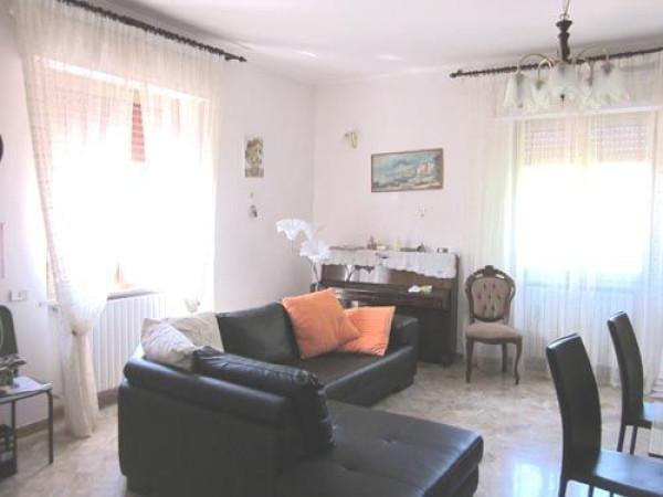 Appartamento in affitto a Basciano, 3 locali, prezzo € 380 | Cambio Casa.it