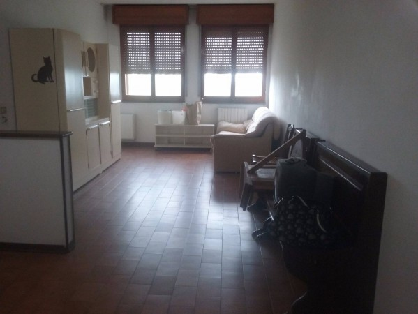 Appartamento in vendita a Modena, 3 locali, prezzo € 80.000 | Cambio Casa.it
