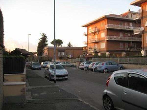 Attività / Licenza in affitto a Roma, 9999 locali, zona Zona: 36 . Finocchio, Torre Gaia, Tor Vergata, Borghesiana, prezzo € 130 | Cambio Casa.it
