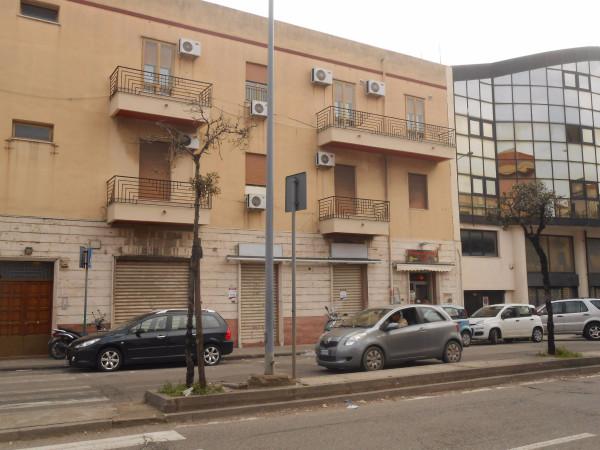 Negozio / Locale in affitto a Messina, 3 locali, prezzo € 1.600   CambioCasa.it