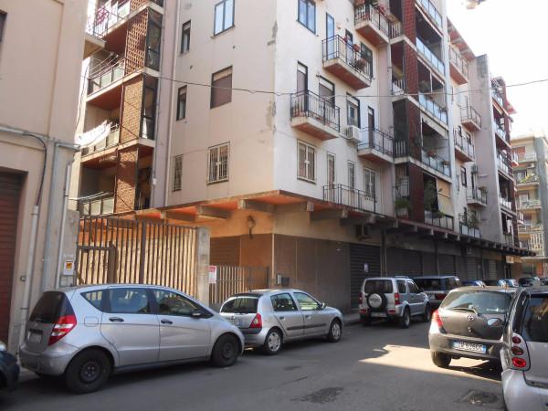 Negozio / Locale in affitto a Messina, 2 locali, prezzo € 500 | Cambio Casa.it