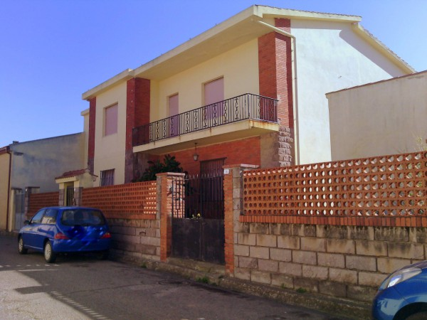 Villa in vendita a Riola Sardo, 6 locali, Trattative riservate | Cambio Casa.it