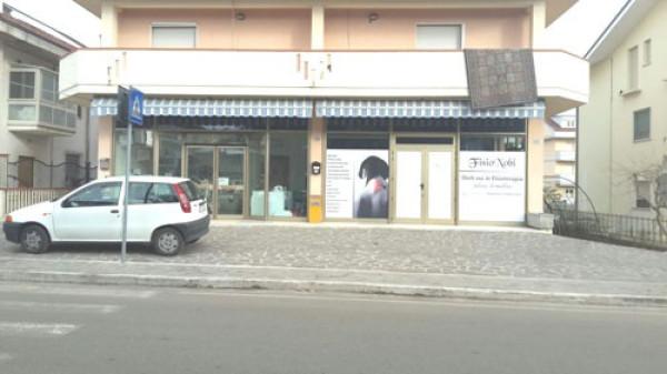 Negozio / Locale in affitto a Penna Sant'Andrea, 4 locali, prezzo € 500 | CambioCasa.it