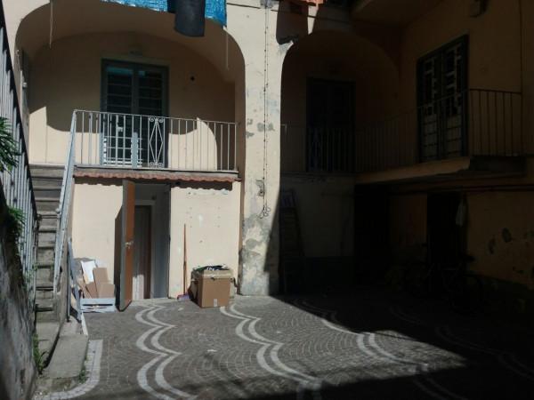 Palazzo / Stabile in Vendita a Arzano