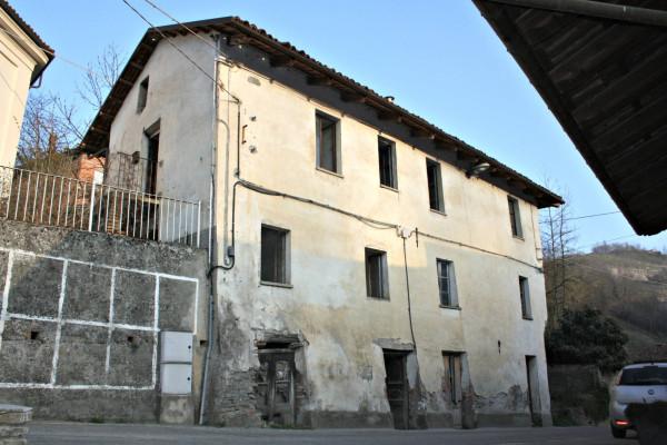 Rustico / Casale in vendita a Trezzo Tinella, 6 locali, prezzo € 60.000 | CambioCasa.it