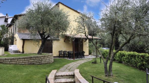 Rustico in Vendita a Castiglione Del Lago: 5 locali, 120 mq