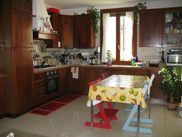 Appartamento in vendita a Venezia, 4 locali, zona Zona: 6 . Dorsoduro, prezzo € 400.000 | CambioCasa.it