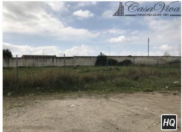 Terreno Commerciale in Vendita a Parete Rif.10055391