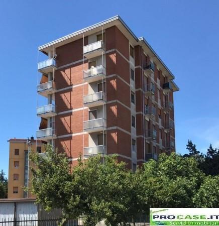 Appartamento in vendita a Origgio, 3 locali, prezzo € 97.000 | Cambio Casa.it