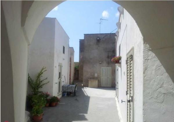 Soluzione Indipendente in vendita a Carpignano Salentino, 3 locali, prezzo € 60.000 | Cambio Casa.it