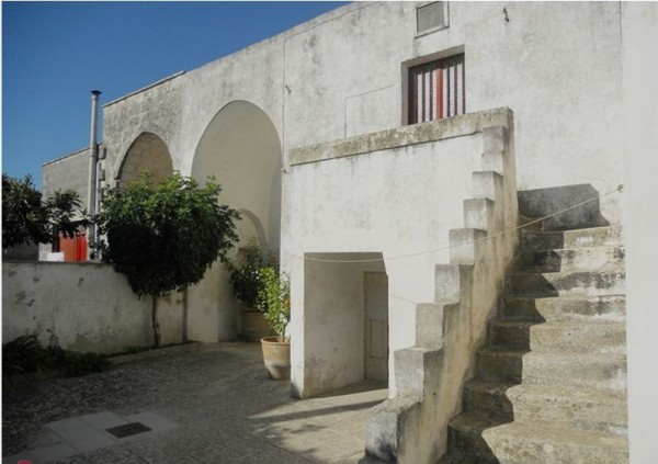 Soluzione Indipendente in vendita a Giuggianello, 6 locali, prezzo € 100.000 | Cambio Casa.it