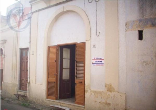 Soluzione Indipendente in vendita a Cutrofiano, 6 locali, prezzo € 45.000 | Cambio Casa.it