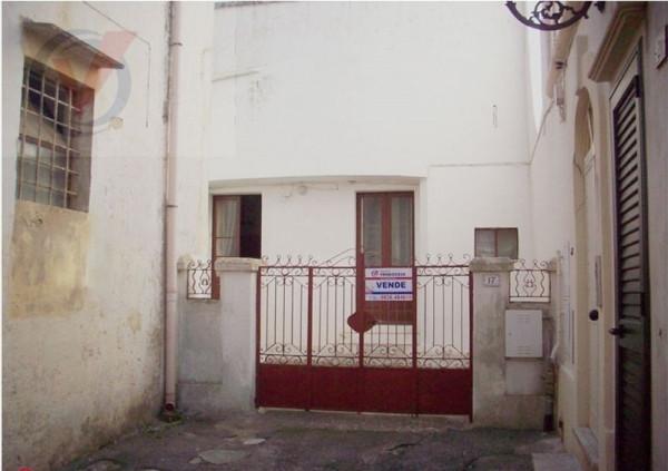 Soluzione Indipendente in vendita a Spongano, 6 locali, prezzo € 140.000 | Cambio Casa.it