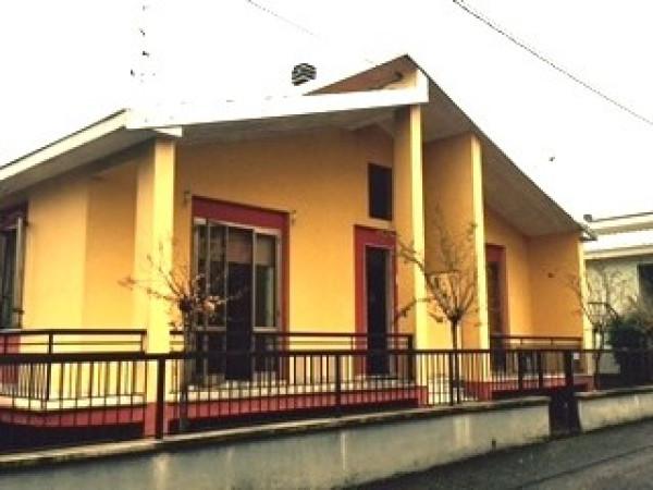 Villa in affitto a Podenzano, 4 locali, prezzo € 600 | Cambio Casa.it