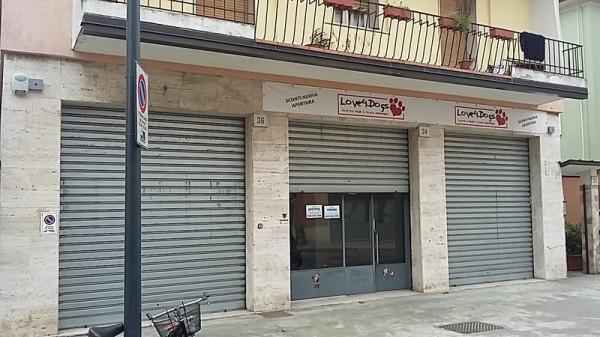 Negozio / Locale in affitto a Brescia, 2 locali, prezzo € 600 | CambioCasa.it