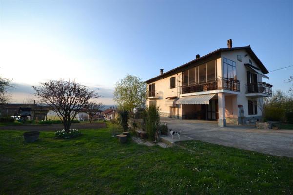 Villa in Vendita a La Morra Periferia: 4 locali, 150 mq