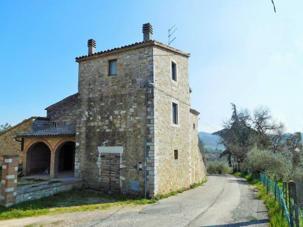 Rustico / Casale in vendita a Todi, 6 locali, prezzo € 150.000   Cambio Casa.it