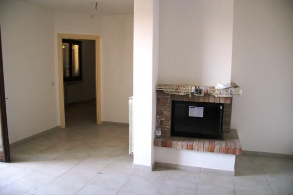 Appartamento in vendita a Foligno, 4 locali, prezzo € 200.000 | Cambio Casa.it