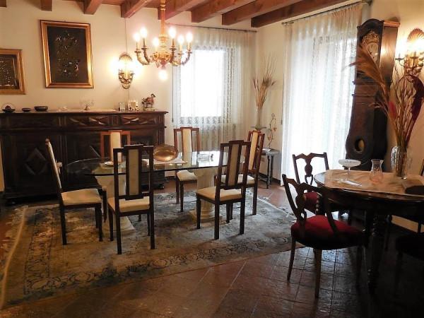 Appartamento in affitto a Verona, 5 locali, zona Zona: 2 . Veronetta, prezzo € 2.000 | Cambio Casa.it
